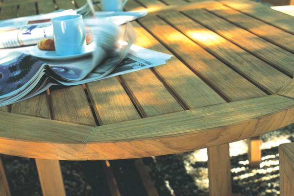 outdoor-furniture-wooden