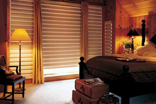 window-and-blinds-bedroom